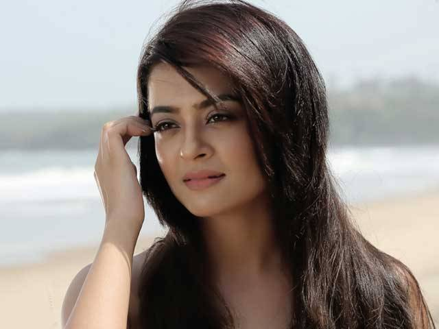 Surveen Chawla Left Hindu Religion