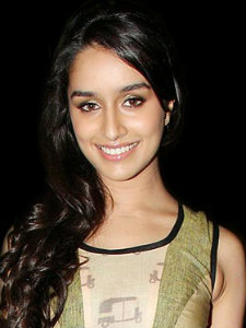 Bollywood Actress Shraddha Kapoor Scared from Dawood Ibrahim