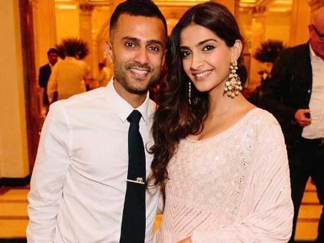 Sonam Kapoor and Hoja First Meeting